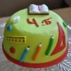Бисквитный торт «Ура, каникулы»